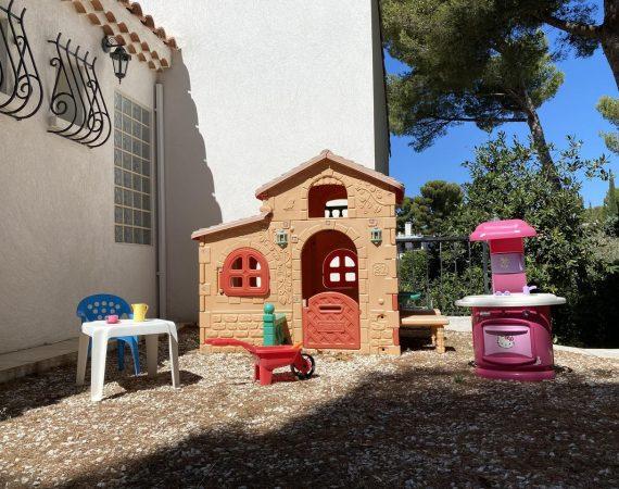 Location maison famille avec jeux pour enfants Carry le Rouet